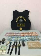 Operação policial resulta em duas prisões e na apreensão de 1 kg de crack em Aquiraz
