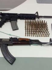 Dois fuzis são apreendidos e envolvidos em ataques a instituições financeiras são presos