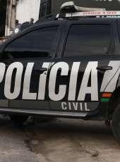 Polícia Civil prende homem por cometer homicídio e forjar suicídio da companheira
