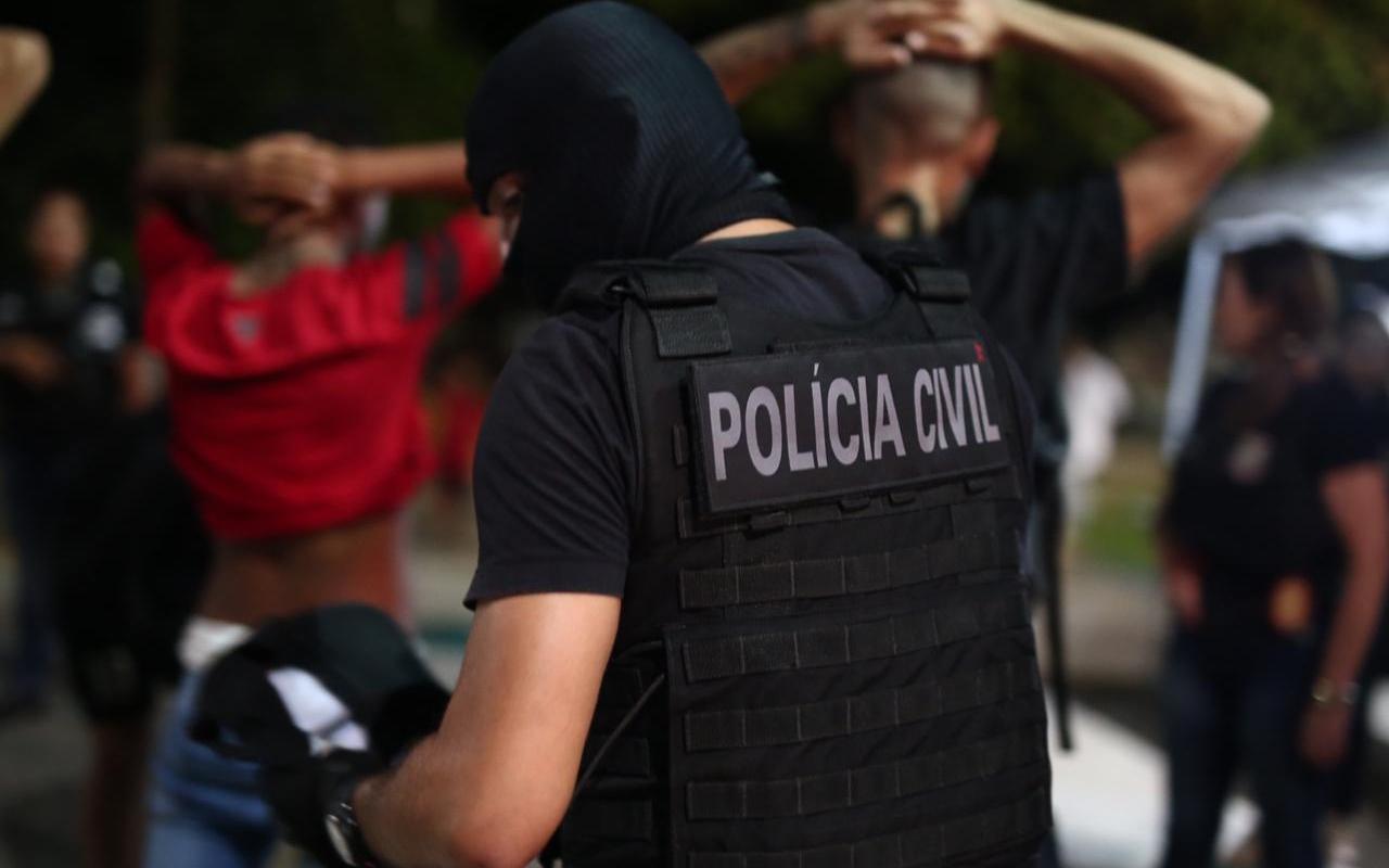 Polícia Civil prende dupla envolvida na morte de professor universitário