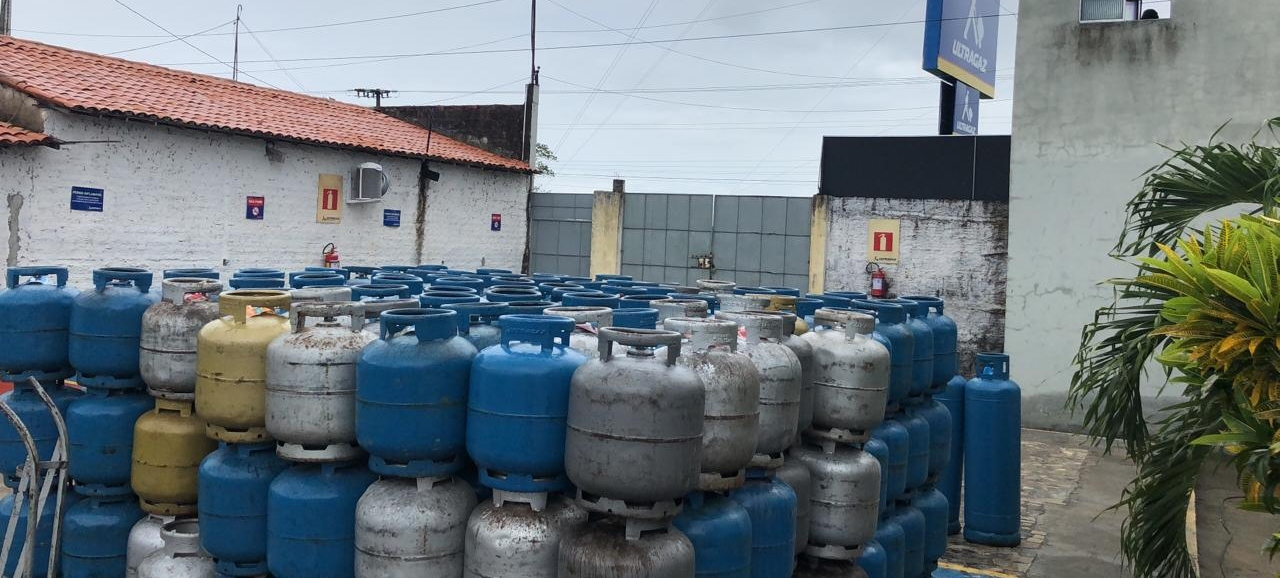 Policiais da DRFVC prende homem por receptação e recupera carga roubada com 500 botijões de gás