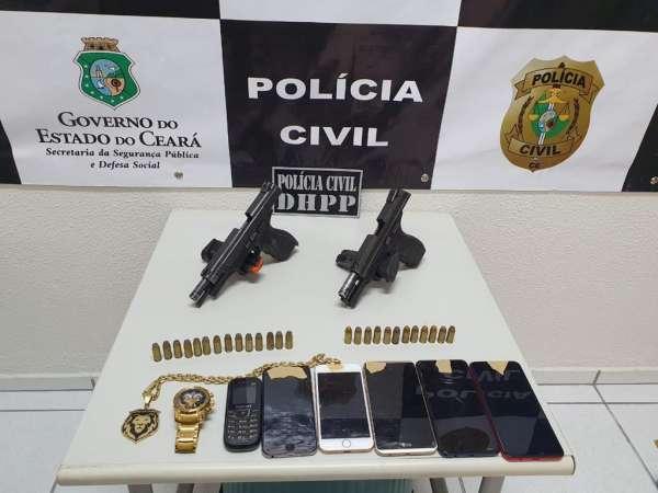 Polícia Civil realiza operação, prende dois homens e apreende duas pistolas em Fortaleza