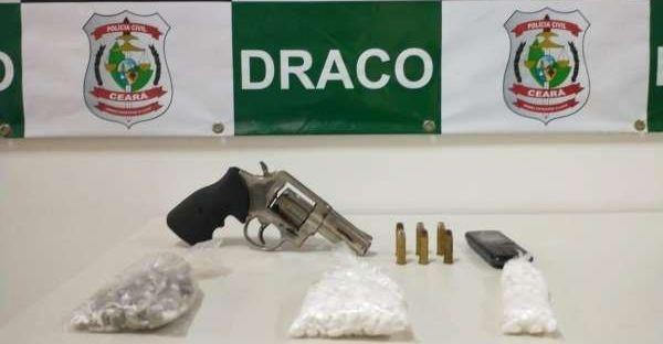 Drogas e arma são apreendidas em ação da Draco na Capital