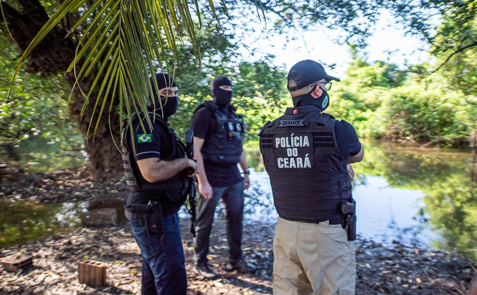 """Polícia Civil do Ceará prende Cilas """"Mago"""" em Teresina (PI) e deflagra operação contra organização criminosa em Caucaia"""