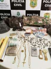 PCCE prende mulher em flagrante por tráfico de drogas em Sobral
