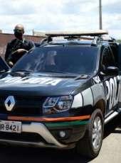 Homem com mandado de prisão em aberto por roubo é preso em loja na Granja Portugal